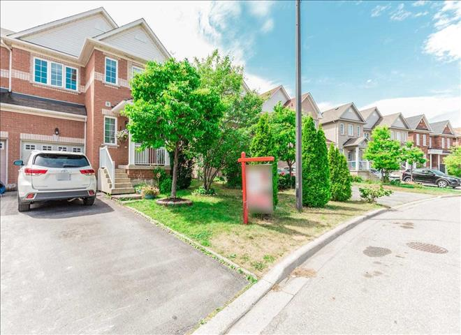 4685 Colombo Cres
