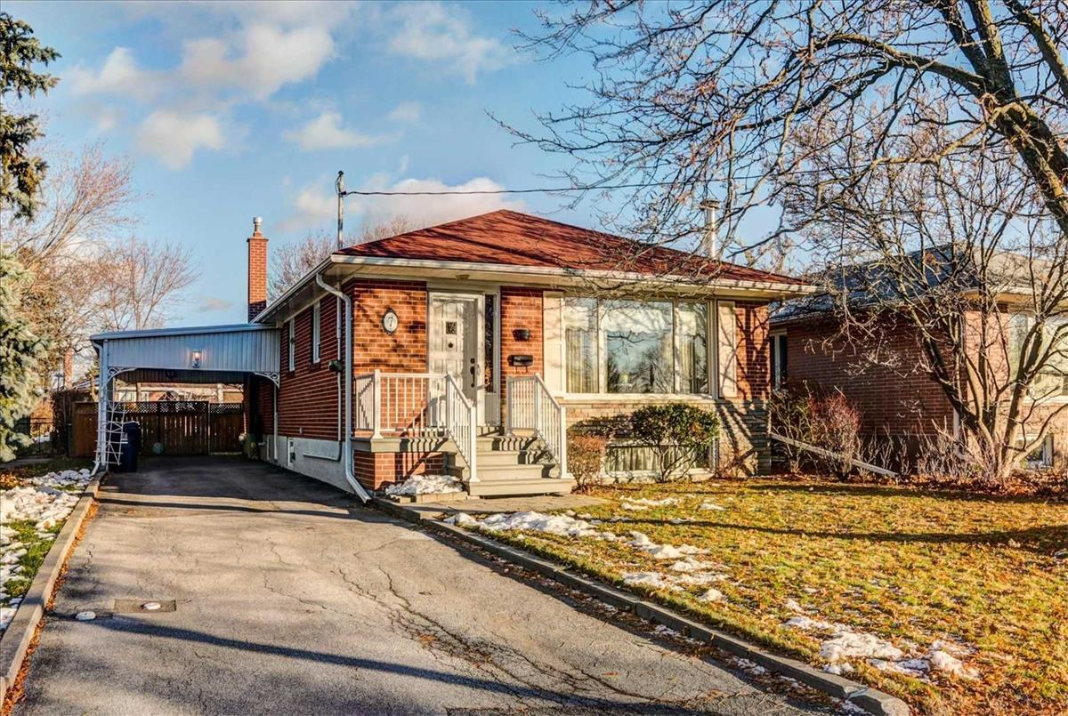 7 Waterbeach Cres Toronto